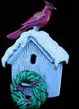 JJ PEWTER TONE WINTER WREATH CHRISTMAS BIRDHOUSE RED BIRD CARDINAL PIN BROOCH