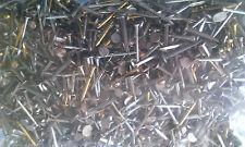 Panneau de broches de petits clous punaises job lot x 4000 atelier près de 1.4 kilos