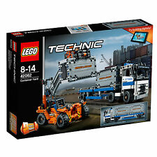 42062 Lego Technic Container Yard 2-In-1 Truck Set 631 Pieces Age 8-14 New 2017!
