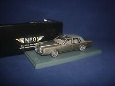 Lincoln Town Car grey over dark grey 1986 NEO 43546 1:43
