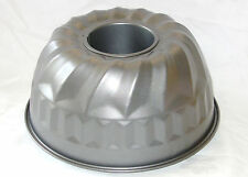 NEW TRADITIONAL NON-STICK BUNDT BUNT SAVARIN RING ROUND CAKE TIN PAN 21cm RSW