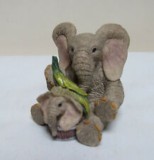"TUSKERS SQUEAKY CLEAN 90800 ELEPHANT FIGURINE 2.5"" COUNTRY ARTISTS"