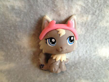 Littlest Pet Shop #1411 grey creme wolf cat with blue eyes with horns