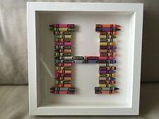 Crayola Crayon Lettera. unico COMPLEANNO, BATTESIMO, nuovo bambino, gli insegnanti regalo.