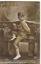 FOTO AK ~ GANZKÖRPER PORTRAIT JUNGE COLOR FLORAL ~ UNGELAUFEN ~ FURIA ~ UM 1910