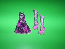 Monster High Spectra Vondergeist Power Ghouls Dress & Silver/Pink Boots Clothing