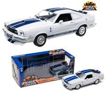 GREEN LIGHT 1:18 1976 FORD MUSTANG COBRA II CHARLIE'S ANGELS Diecast Car