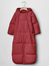 GAP Baby Boys / Girls Size 0-3 Months Festive Red Snowsuit One-Piece Puffer Coat