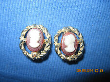 BEAUTIFUL VINTAGE GOLD OVAL ART DECO CAMEO CLIP EARRINGS ..7113