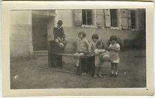 PHOTO ANCIENNE - VINTAGE SNAPSHOT - ENFANT MODE CHAPEAU JEU - CHILD FASHION GAME