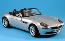 KYOSHO 80430007667 BMWZ8 diecast model from The World is not Enough 1:18th scale