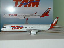 INFLIGHT 200 1:200 AIRBUS A350-900 - TAM PR-XTA (Flaps up) IF3501115U