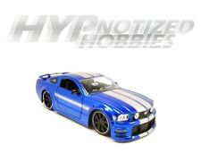 JADA 1:24 FORD 2006 MUSTANG GT WITH STRIPES DIE-CAST BLUE 90658