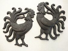 lot 2 black cast iron roosters metal ware trivet wall art plaque hangings set