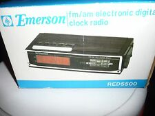 EMERSON VINTAGE A/M /F/M CLOCK RADIO NEW IN BOX
