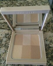 Bobbi Brown Nude Finish Illuminating Powder - Nude