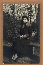 Carte Photo vintage card RPPC femme manteau chapeau mode fashion pz048