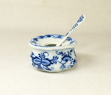 Meissen  (Germany) Blue Onion Porcelain Salt Dish & Spoon