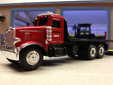 1/64 ERTL CASE IH 367 PETERBILT FLATBED DEALER TRUCK