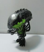 HOT TOYS ALIENS VS PREDATOR REQUIEM MINI COSBABY ACTION BATTLE DAMAGED ALIEN M30