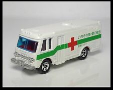 TOMICA 8 Red Cross Blood Donation Drive ISUZU BUS 1/122 TOMY DIECAST CAR 30TH