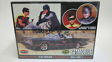 Polar Lights 1/25 1966 Batmobile w/ Batman & Robin Resin Figures Plastic Kit 920