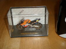 MAISTO TOY- HONDA RC211V (#46) V. ROSSI, WORLD CHAMP #2002 yr. RACING BIKE 1:18