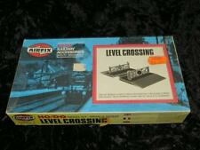 AIRFIX HO/OO MODEL RAILWAY KIT Level Crossing Unmade & Sealed in Type 6a Box