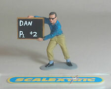 MONOGRAM PIT MAN with BOARD for Scalextric Airfix Ninco SCX Fly & More! 1.32
