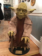 LIFE SIZE BLOCKBUSTER PROMOTIONAL FIGURE OF YODA PHANTOM MENACE STAR WARS 1999