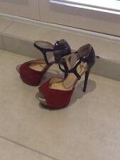 Boutique 9 plataforma rojo de gamuza y metálica en Serpiente Diseño Zapatos Talla 4.5
