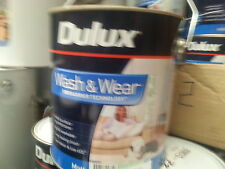 DULUX 4 LITRE INTERIOR WASH/WEAR MATT WHITE COLOUR PAINT