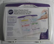 Wilton Industries Inc. Deluxe Practice Board 89 Bag Tip Techniques and Storage