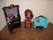 Monster High Coffee Bean set with Clawdeen Wolf Doll & Accessories
