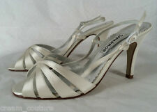 Caparros Alec White Dyeable Silk Evening / Bridal Sandals Size 7 NEW $69
