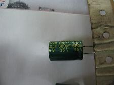 Lot 10 Condensatori 680µF 680MF 680UF 35V condo radiale sanyo 105°cent. 13 20mm