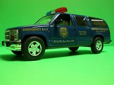 TAYLOR TRUCK NJSPBA NEW JERSEY STATE POLICE #1 DIECAST 2001 CHEVY SUBURBAN SUV