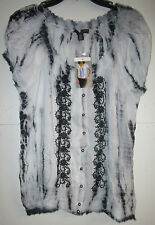 NWT LADIES FEVER BLK. -WHITE TOP SIZE LARGE