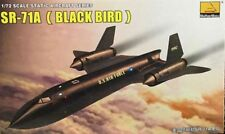Hobby Boss  1/72 80201 SR-71A (BLACK BIRD) MODEL KIT