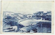 1924 LIVORNO LA DARSENA CON NAVE ROVESCIATA E PERSONE CHE LAVORANO ALLO SCAFO