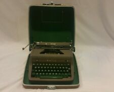 VINTAGE PORTABLE ROYAL QUIET DELUXE TYPEWRITER GREY MAGIC GREEN KEYS W/CASE