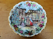 "ROYAL ALBERT BONE CHINA COLLECTOR'S PLATE ""Christmas Carol Singers"" FRED ERRILL"