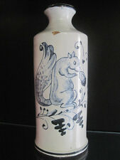 Antik roter Scherben Flasche Schnaps Likör Motiv Eichhörnchen Nuß Blaubemalung