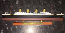 Atlas Editions - RMS Titanic Luxury Liner 1:1250  New With COA 21.5cm Long.