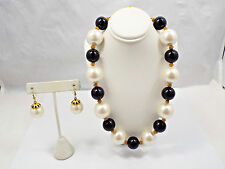 Vtg Anne Klein Bold Large Faux Pearl Black Bead & Gold Tone Necklace & Earrings