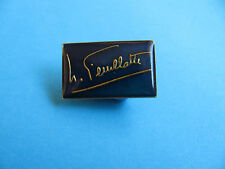 Feuillatte Champagne Brut pin badge. Wine, Champagne.