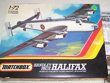 HANDLEY PAGE HALIFAX (Matchbox #PK-604) 1-72 Scale Military Aircraft Model Kit c