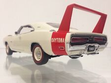 1969 Dodge Charger Daytona Hemi V8 MOPAR 1:24 Winged Warrior