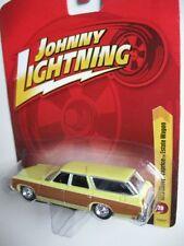 ' 73 Chevrolet Caprice wagon Woody 1973 * RR * Johnny Lightning TOMY 1:64 RAR + OVP
