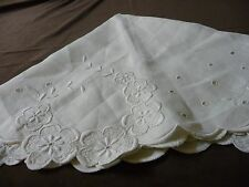 #920X vtg fabric linen doily table cover embroidered cut scalloped border 33'' R